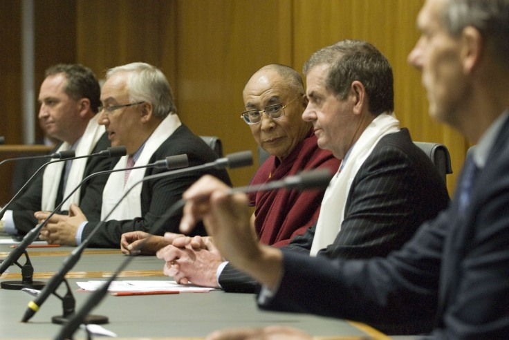 His Holiness the Dalai Lama (c) at the parliamentary reception hosted by All-Party Parliamentary Group for Tibet in Canberra on 14 June 2011/Photos/Rusty Stewart/DLIAL